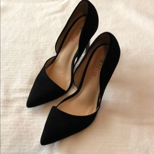 Black mircosuade pointed toe heels